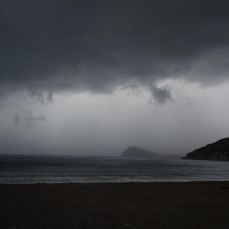 Tekman Im Regen (2)